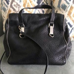 VINCE CAMUTO   Black Leather Handbag